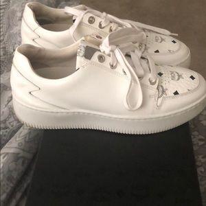 McM white visetos lowtop sneaker